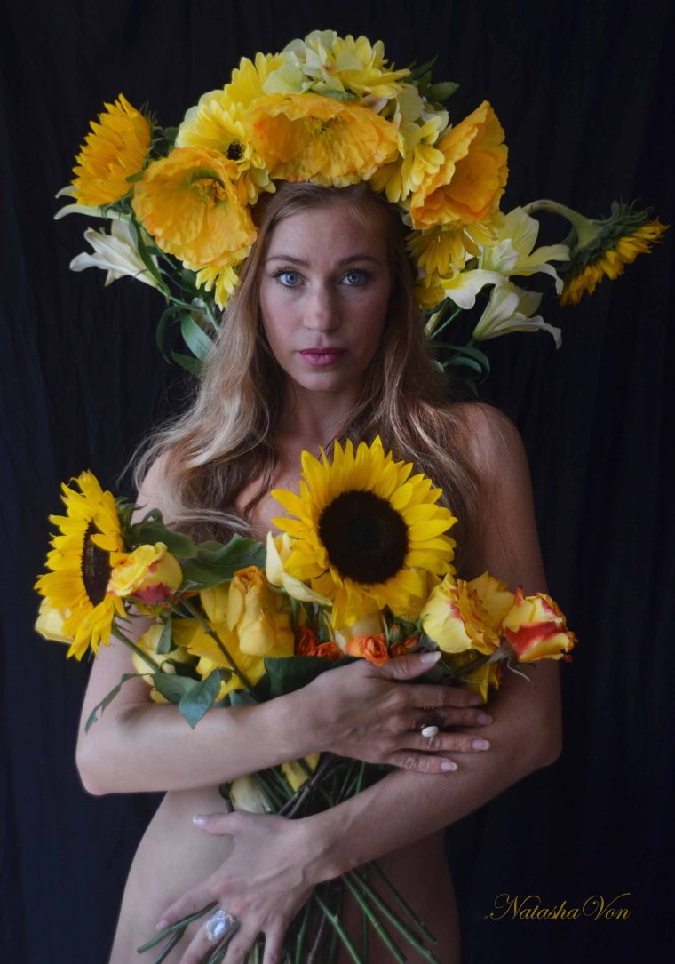 EmilySunflowercropsm
